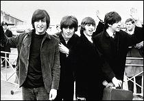 The Beatles Polska: Beatlesi wylatują na wyspy Bahama kręcić film Help!